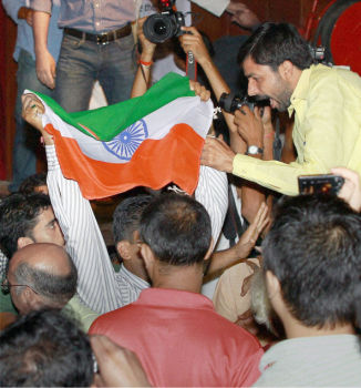 Protest against Geelani in Delhi