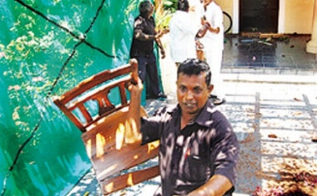 Aurobindu Ashram attacked by Dravidian group4