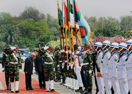 Pranab visits Bangladesh 03-03-2013