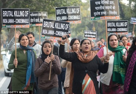 Indian soldier beheaded - Women protest