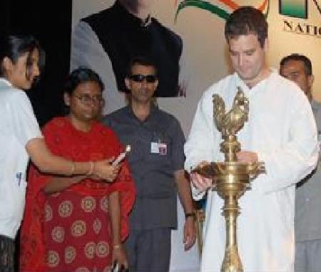 Meenakshi Natarajan with Rahul.2