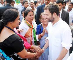 Rahul with women workers