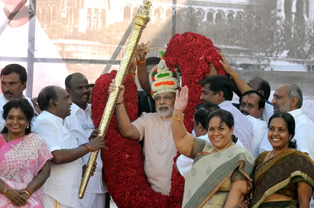 Narendra Modi received at Chennai Airport.1