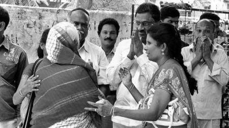 சர்ச்சுகளில் தேர்தல் பிரச்சாரம்