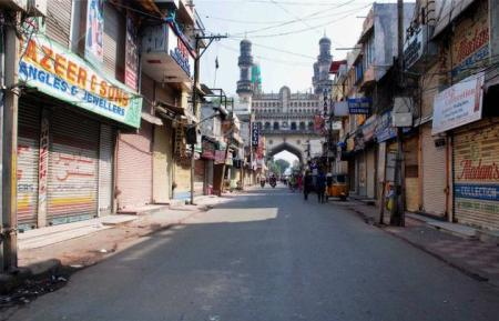 A street in Hyderabad wears a deserted look on the 22nd Anniversary of Babri Masjid Demolition, on 06-12-2014. Photo-PTI