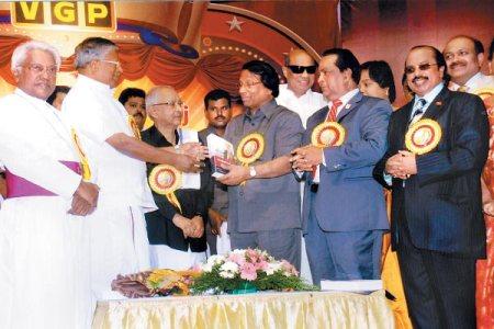 எஸ்ரா சற்குணம், ஆவுடையப்பன், வீரமணி, விஸ்வநாதன், ஜேப்பியார், சந்தோஷம், செல்வராஜ்