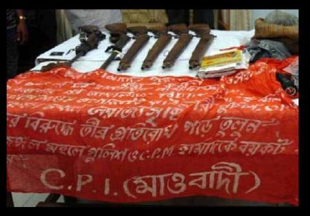 லால்கரில் பறிமுதல் செய்யப்பட்ட ஆயுதங்கள் 2012