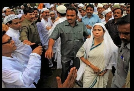 Malda riots - Mamta playing minority card