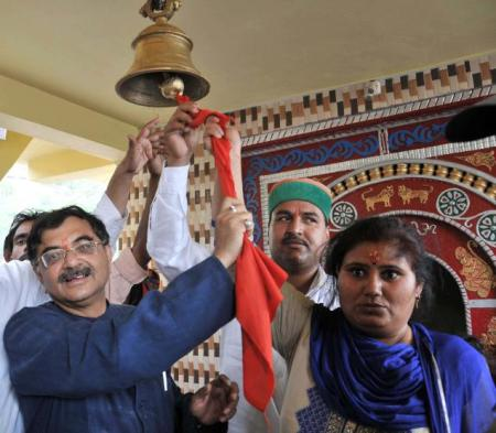 Tarun Vijay with BSP leader Daulat Kunwar at Silgur Temple in Uttarakhand. Photo- Virender Singh Negi-The Hindu