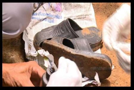 ஜிஷா கொலை - காட்டிக் கொடுத்த செருப்பு