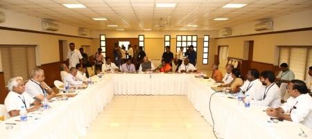 Meeting-LG, Amit Sha, Tamilisai, vgp stage